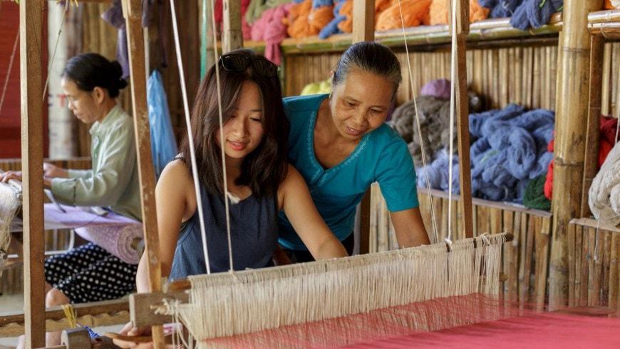 Tham quan làng nghề dệt thổ cẩm